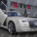 Автомобиль бизнес-класса Chrysler 300C в стиле Rolls-Royce Phantom