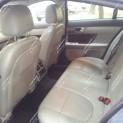 Автомобиль бизнес-класса Ягуар XF